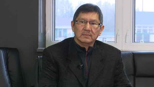 Portrait de Lucien Wabanonik, membre du conseil de Lac-Simon