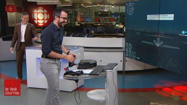 Bruno Savard et Jean-François Blanchet sur le plateau du Téléjournal Québec.