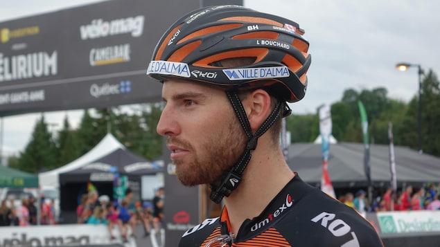 Le cycliste Léandre Bouchard