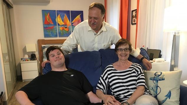 Les parents de Marc, Jocelyne et Daniel LeBlanc ont rencontré un noyau de parents qui avaient la même vision pour créer un OSBL et profiter du Programme Accès Logis.