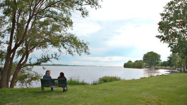 Roy Dupuis et Joséphine Bacon dans le documentaire «L'empreinte»