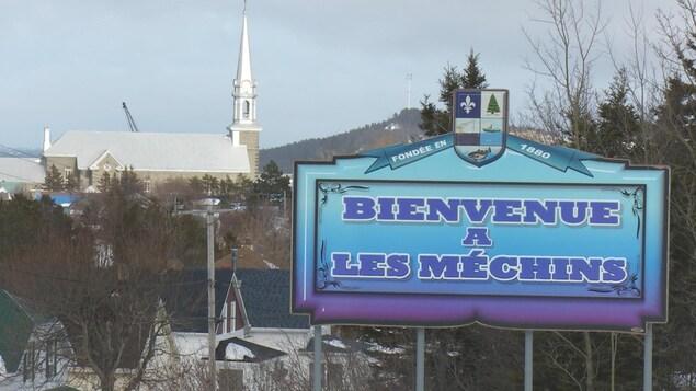 Le village des Méchins compte 1000 habitants.
