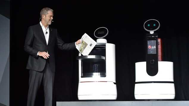 Le vice-président marketing de LG Electronics USA, David VanderWaal, lors de la présentation de produits au CES 2018