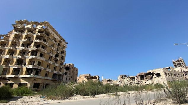Des bâtiments détruits à Benghazi, en Libye. Photo prise le 30 septembre 2020.