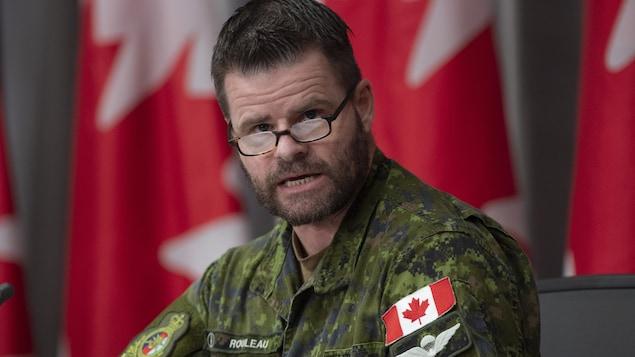 Mike Rouleau en habit militaire.