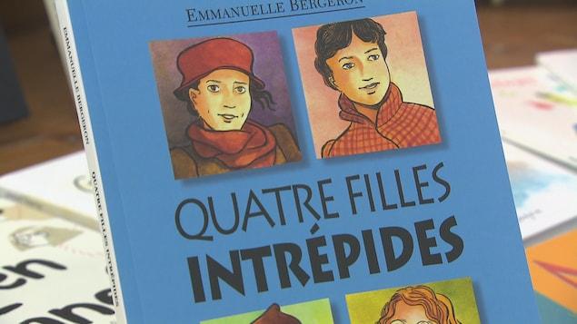 La couverture du livre Quatre filles intrépides
