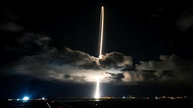 Décollage d'une fusée.