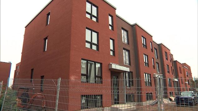 Un immeuble à logements sociaux à Montréal