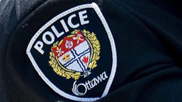 Un écusson du Service de police d'Ottawa.