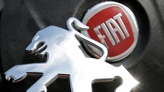 Les logos de Peugeot et de Fiat sont juxtaposés.
