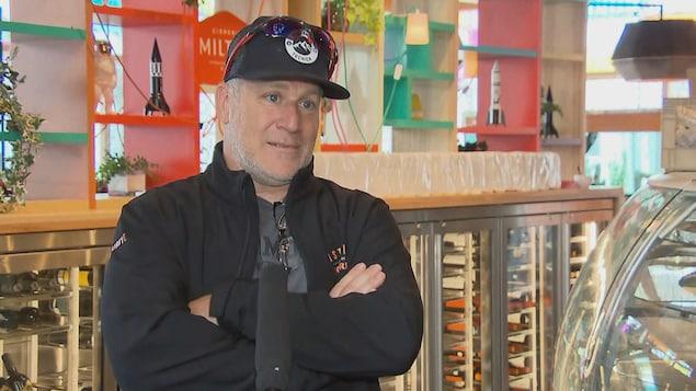 Louis McNeil, propriétaire des restaurants Cosmos