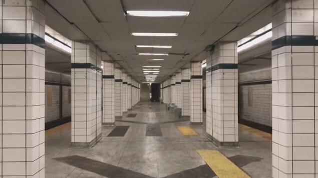 La station Lower Bay, qui se trouve sous la station Bay à Toronto.