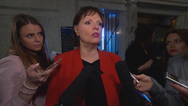 Lucie Charlebois, Ministre déléguée à la Réadaptation, à la Protection de la jeunesse, à la Santé publique et aux Saines habitudes de vie.