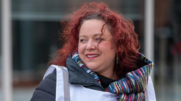 La scientifique Lyne Morissette participe à la Grande guignolée des médias à Matane.