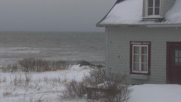Une maison très proche de l'eau.