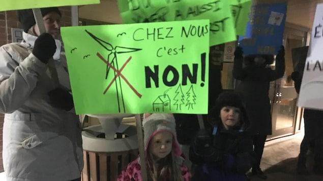 Éoliennes à Anse-Bleue : le maire de Bathurst parle de « dérapage » et « d'échec » - ICI.Radio-Canada.ca