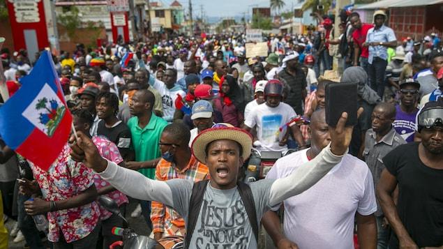 Une foule de manifestants.