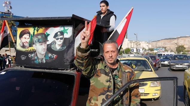 Les Etats-Unis mettent leur menace à exécution et bombardent la Syrie