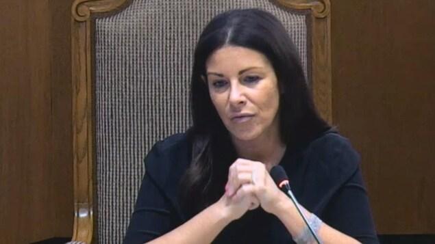 La conseillère dans l'arrondissement Verdun, Manon Gauthier, annonce qu'elle quitte la politique lors d'une séance du comité exécutif de la Ville de Montréal le 30 août 2017