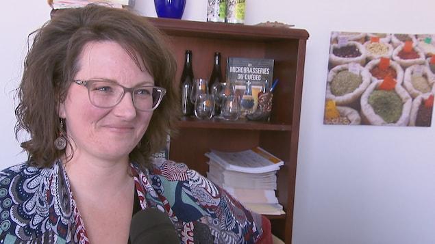 Marie-Ève Myrand, directrice générale de l'Association des microbrasseries du Québec, lors d'une entrevue