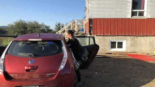 Marie-Pahre Boucher démarre sa journée en allant reconduire ses enfants à la garderie