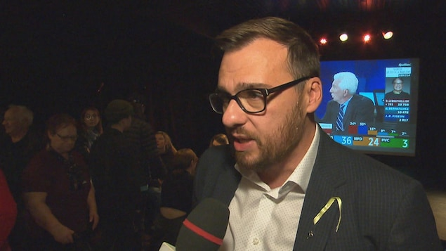 Mario Simard en entrevue.