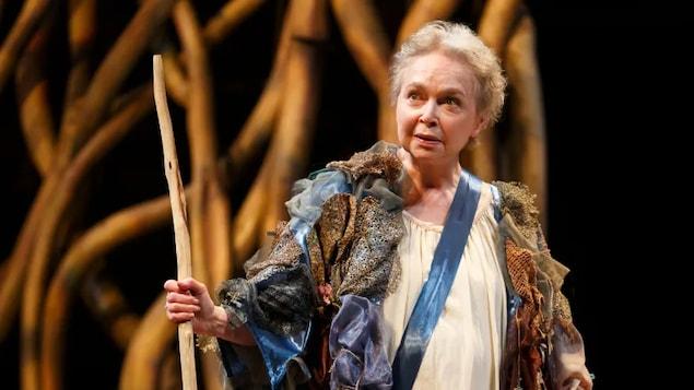ਕੈਨੇਡੀਅਨ ਥੀਏਟਰ ਅਦਾਕਾਰਾ ਮਾਰਥਾ ਹੈਨਰੀ ਦਾ 83 ਸਾਲ ਦੀ ਉਮਰ ਵਿੱਚ ਦੇਹਾਂਤ ਹੋ ਗਿਆ ਹੈI