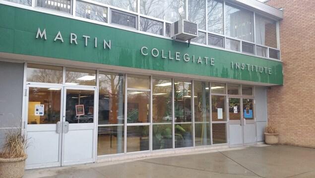 L'entrée de l'école Martin Collegiate, à Regina.