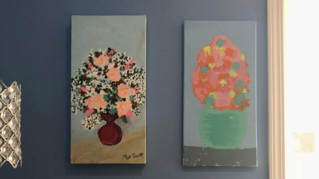 Peinture représentant des pots de fleurs peints par Mary Scott.