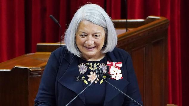 Mary Simon da un discurso en Ottawa.