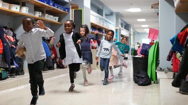 Des élèves d'une classe de maternelle 4 ans de l'école Sainte-Odile de Québec