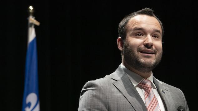 Le ministre de la Famille et ministre responsable de l'Outaouais, Mathieu Lacombe.