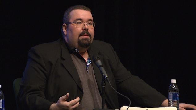 Maxime Fiset  est chargé de projet au Centre de prévention de la radicalisation menant à la violence.