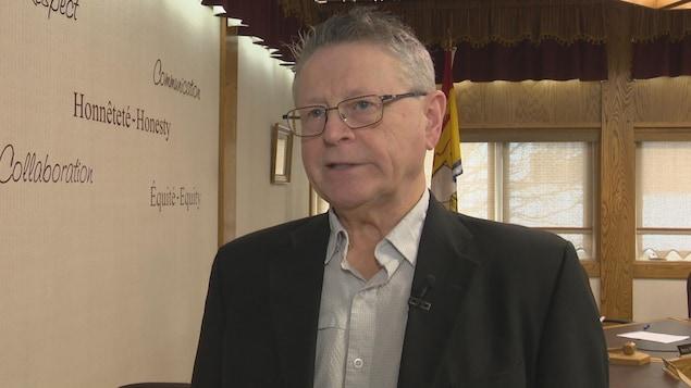 Michel Soucy, maire d'Atholville, en entrevue.