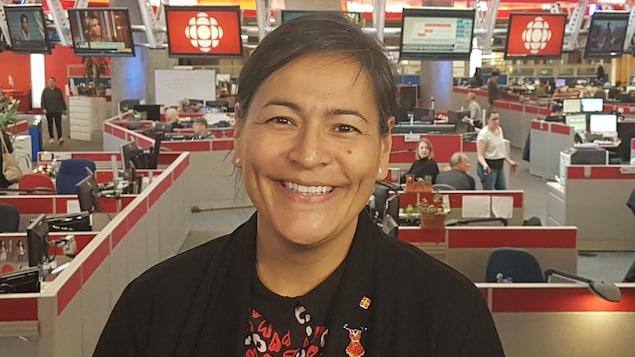 Michèle Audette dans les studios de Radio-Canada à Vancouver.