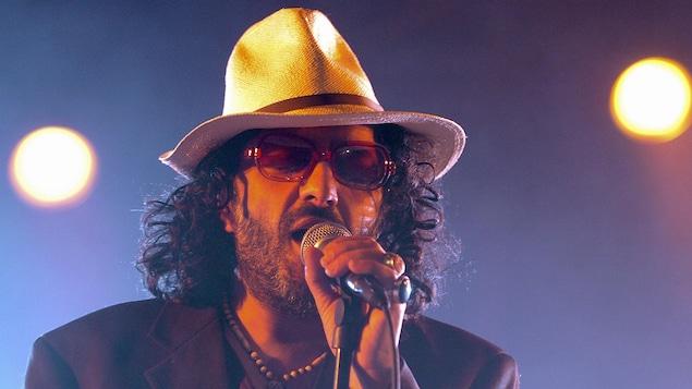 Le chanteur d'origine algérienne Rachid Taha est décédé à l'âge de 59 ans dans la nuit du 11 au 12 septembre 2018.