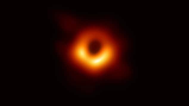 Le trou noir au centre de la galaxie Messier 87