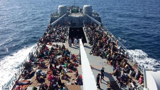 Des migrants rescapés par les gardes-côtes libyens le 24 novembre dernier.