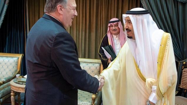 Trump nie couvrir les alliés saoudiens des Etats-Unis — Khashoggi