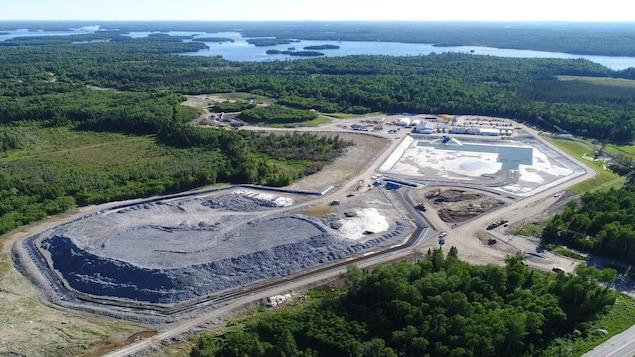 Une vue aérienne d'un site d'exploitation de la minière Goldcorp Inc.