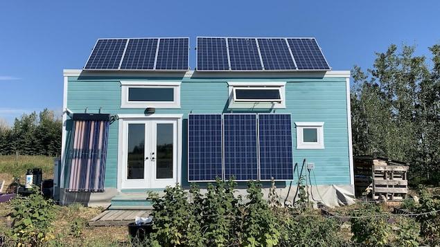 La mini-maison de Kenton Zerbin, équipée de panneaux solaires.