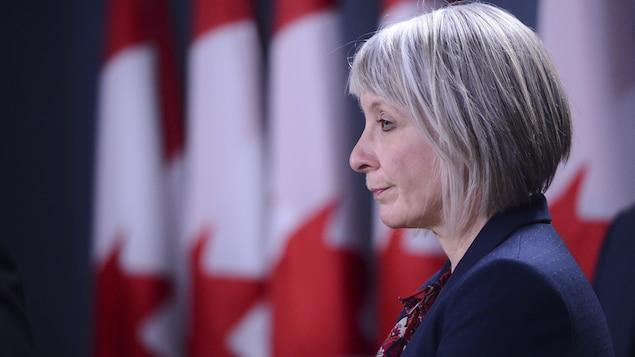 La ministre fédérale de la Santé, Patty Hajdu, lors d'un point de presse sur la pandémie.