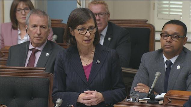 La ministre Danielle McCann interrogée à l'Assemblée nationale sur la fermeture de l'urgence de Cloutier-du-Rivage