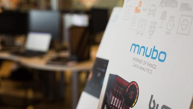 Affiche publicitaire de l'entreprise mnubo