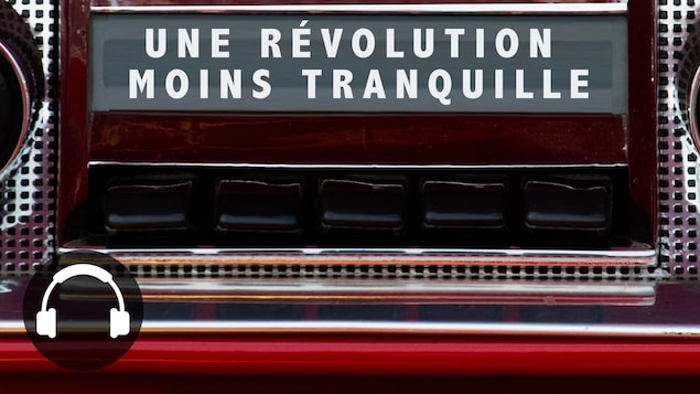 Une radio d'une vieille voiture avec la légende « une révolution moins tranquille ».