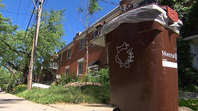 D'ici trois ans, Montréal pourra traiter tout le compost ramassé auprès des foyers.