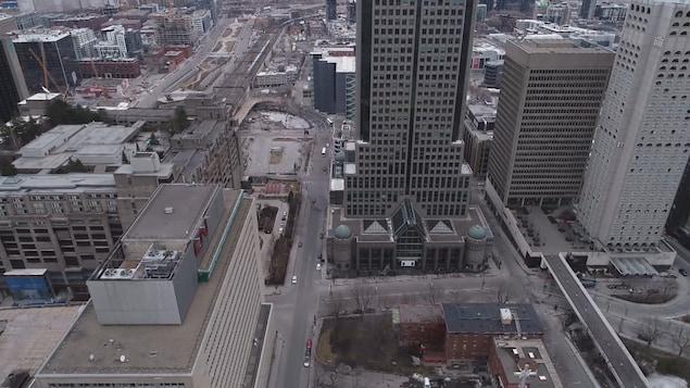 Le centre-ville de Montréal, désert.