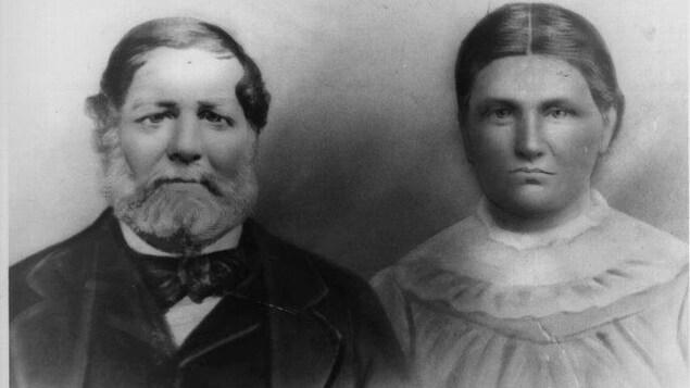 Le voyageur François Naud et sa femme métisse Elizabeth McPherson, du Lac Sainte-Marie, Québec.