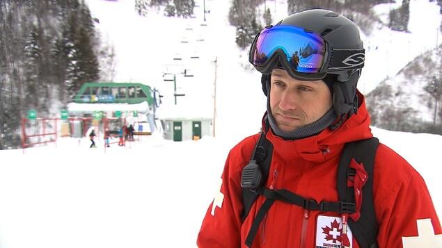 Nicolas Thisdel est président de la zone de Sept-Îles au sein de la Patrouille canadienne de ski