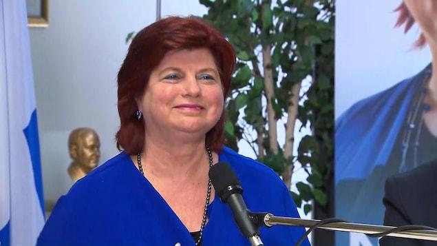 Nicole Léger annonce qu'elle quitte la vie politique.